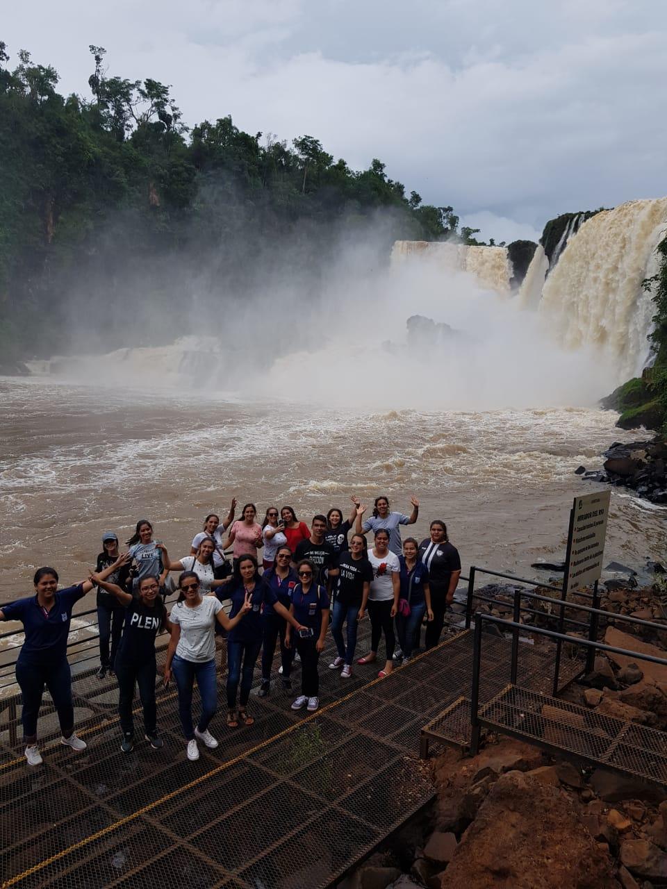 """Proyecto """"Valorar los recursos naturales: río Paraná fuente de energía del Paraguay"""""""